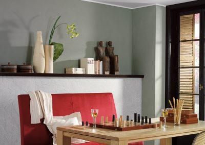 modernes esszimmer | gruene lehmfarbe | weisser lehmdekorputz | kellenschlag